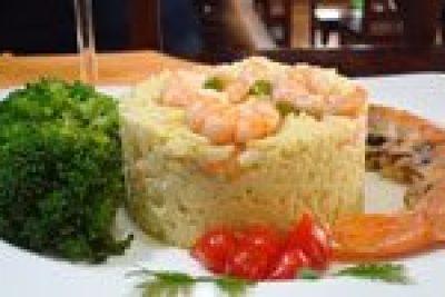 Risoto de camarão: iguaria úmida e cremosa