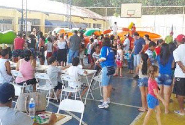 Mil pessoas participam do Alegria no Bairro