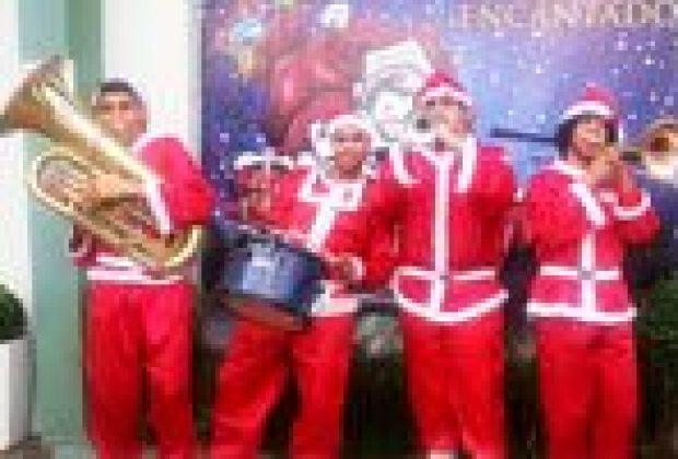 Banda vai animar comércio com músicas natalinas