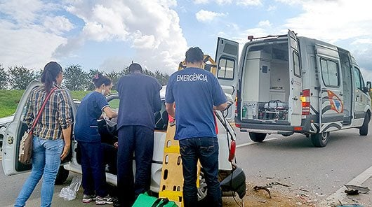 Colisão aconteceu na rodovia que liga Artur Nogueira a Holambra \ Foto: Luciana Almeida
