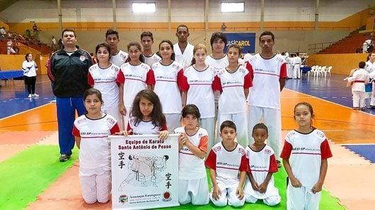 A competição contou com mais de 220 atletas e a equipe KaratePosse esteve presente
