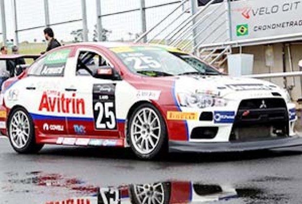 Show de pilotagem na Mitsubishi Lancer Cup