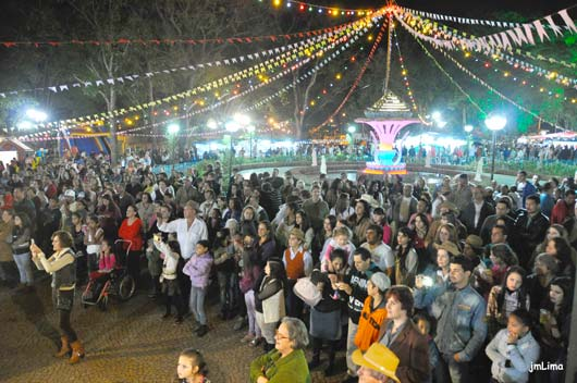 Festa aconteceu nos dias 11 2 12 de julho, na Praça da Fonte Luminosa