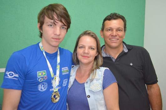 João Mathias faturou uma medalha de ouro na categoria mãos livre