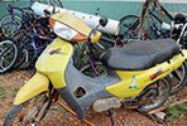 Motos roubadas são localizadas em área rural