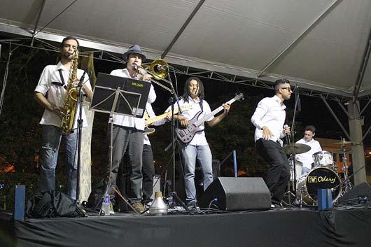 Após apresentação honrosa em evento beneficente, banda anuncia últimos shows do mês em cidades da região
