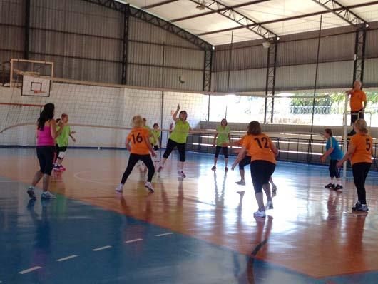 Idosos paulinenses receberam os atletas num treino para os jogos que acontecem em Mogi Guaçu