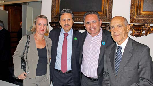 O prefeito Fernando Fiori e a vereadora Jacinta estiveram em São Paulo para celebrar o convênio