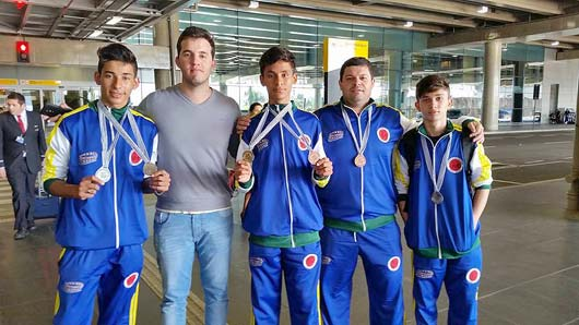 Integrando a seleção brasileira, estiveram os adolescentes possenses da equipe Karateposse, Lucas Oliveira, Vinicius Fernandes e Leonardo Fernandes