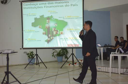 No evento, os associados e convidados puderam acompanhar o crescimento do Sicredi e também decidirem através do voto decisões de negócios