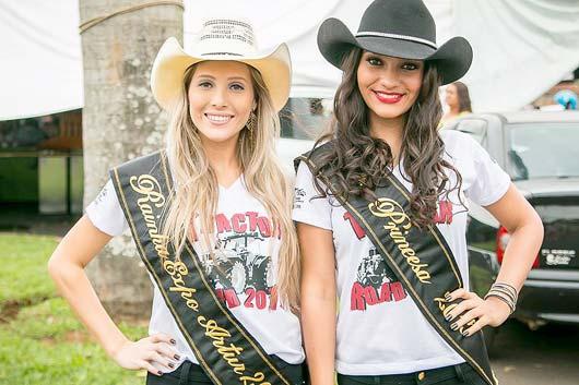 A rainha e a princesa da festa devem marcar presença durante o evento