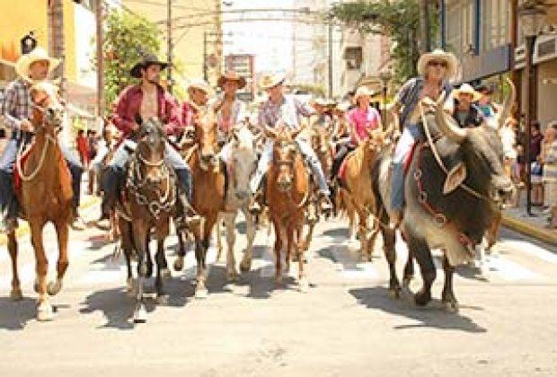 Prévia do rodeio de Serra Negra teve grande público