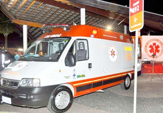 O serviço funciona 24 horas por dia com equipes de profissionais de saúde