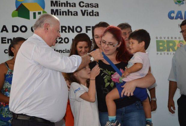 Itapira: Contemplados do Morada Nova recebem as chaves dos apartamentos