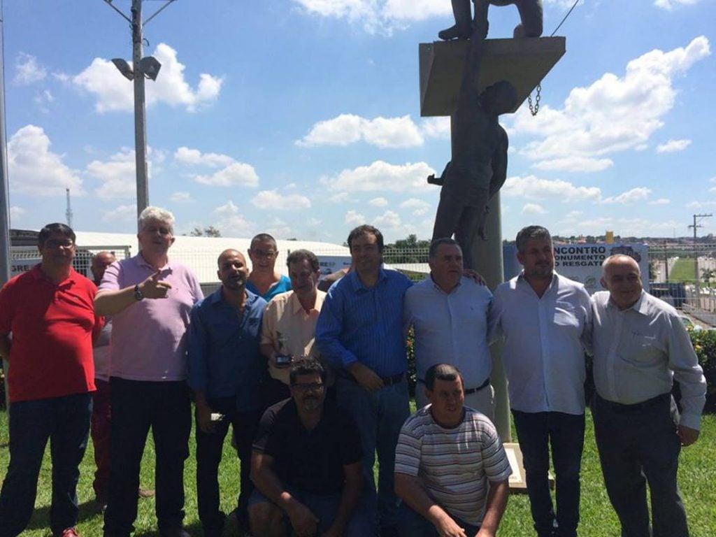Presidente da Appagesp, Fernando Carvalho, com membros do Segresp e outras entidades, no último sábado, em Limeira.