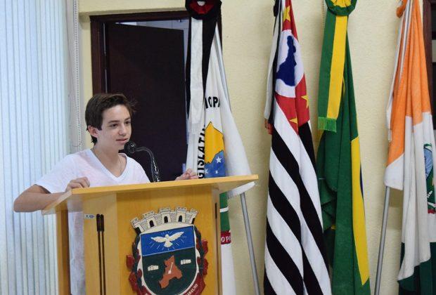 Vereadores jovens recebem visita do primeiro presidente do Legislativo de Holambra