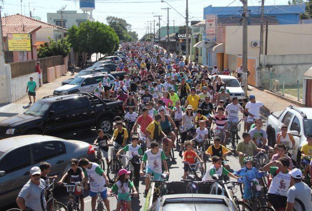 Milhares de pessoas participam de Passeio Ciclístico em Artur Nogueira