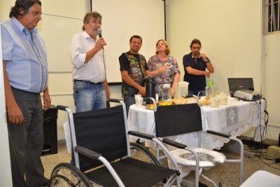 Motor Rock doa cadeiras de rodas e banho para Hospital em Itapira