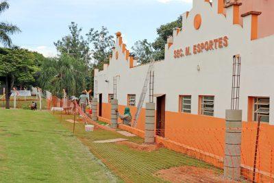 Prefeitura inicia reforma de vestiários do Estádio Municipal