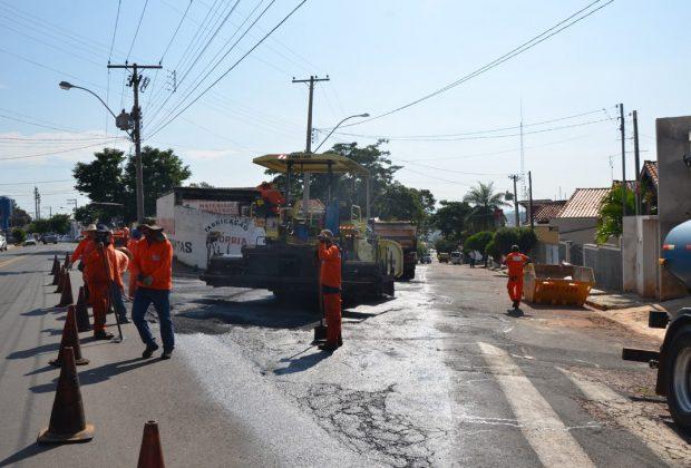 Itapira: recapeamento chega à Rua Duque de Caxias