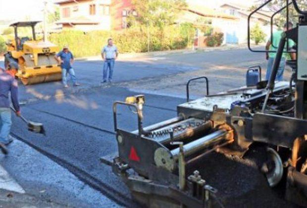 Prefeitura inicia recapeamento de ruas no Jardim Holanda