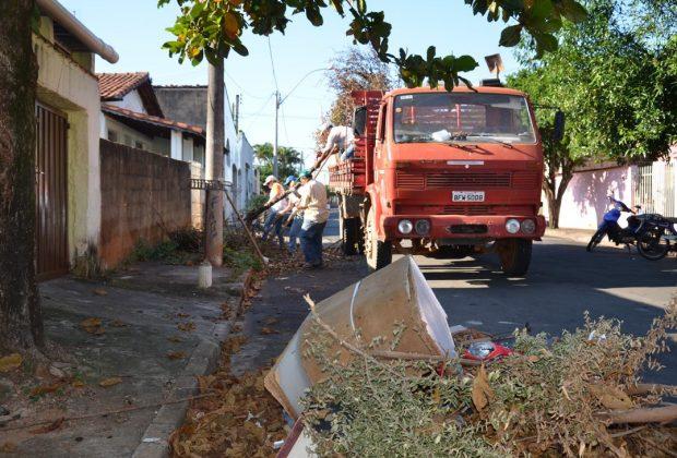 Em Itapira, coleta da Operação Rapa Tudo continua