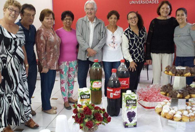 Faculdade da Terceira Idade da FAJ comemorou o Dia das Mães com festa e presentes