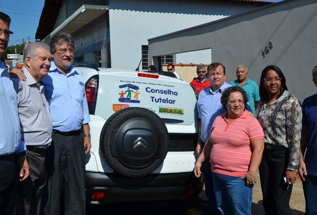 Conselho Tutelar de Itapira recebe carro zero quilômetro