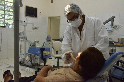 Campanha de prevenção de câncer bucal oferece avaliações nos postos