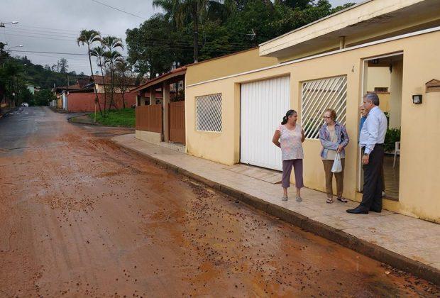 Chuva provoca transtornos aos moradores de Pedreira