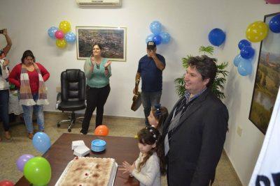 Funcionários da Prefeitura preparam festa surpresa para o prefeito Maurício Comisso