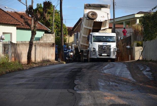 Iniciada recuperação das Ruas Lindoia e Manoel Pereira em Itapira
