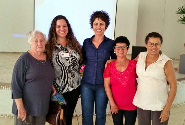 Palestra sobre saúde reúne cerca de 80 idosos no Salão da Terceira Idade em Holambra