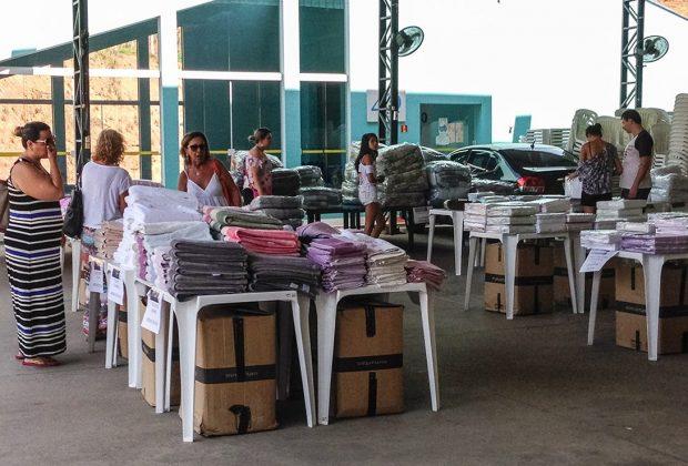 Roupas de cama, mesa e banho integram o Bazar que vai ajudar a APAE em Pedreira