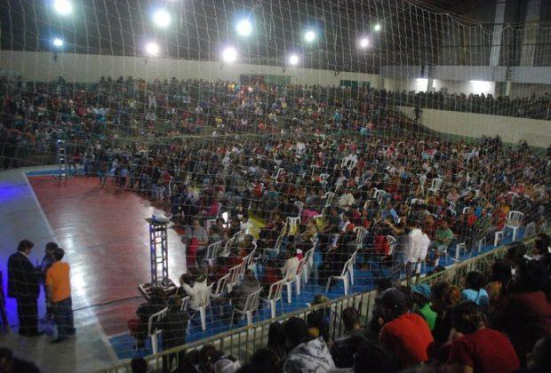 Sorteio do Minha Casa Minha Vida deixa ginásio lotado em Santo Antonio de Posse