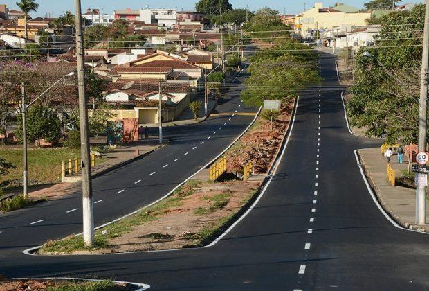 Pavimento novo em toda a extensão da Avenida Padre Jaime