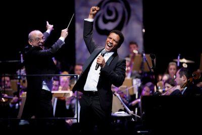 Amparo recebe cantor Jean William e grupo Jazz Trio em apresentação gratuita
