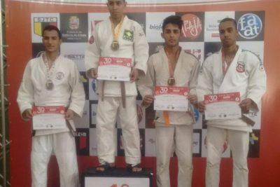 Judô nogueirense conquista medalhas em competição de nível estadual