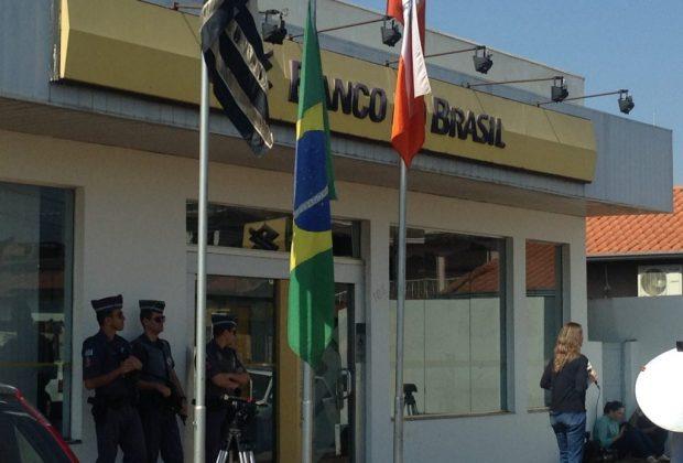 Assaltantes invadem banco em Engenheiro Coelho