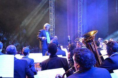 Com convidados e Coral Santa Tereza, Banda Sinfônica dá concerto de Natal nesta quinta, dia 15