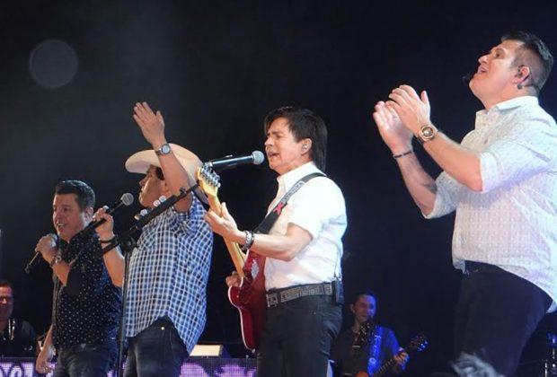 Show de Chitãozinho & Xororó e Bruno e Marrone reúne mais de 5 mil pessoas na Red Eventos