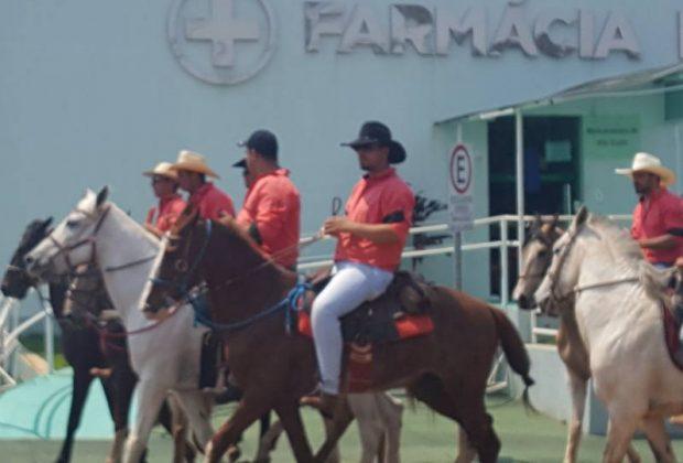 Desfile de Cavaleiros reúne grande público em Artur Nogueira