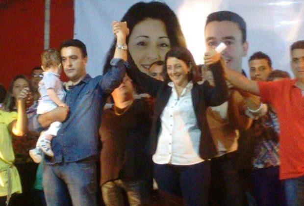 """Comício da coligação """"Unidos Por Estiva"""" reune mais de 1.500 pessoas"""