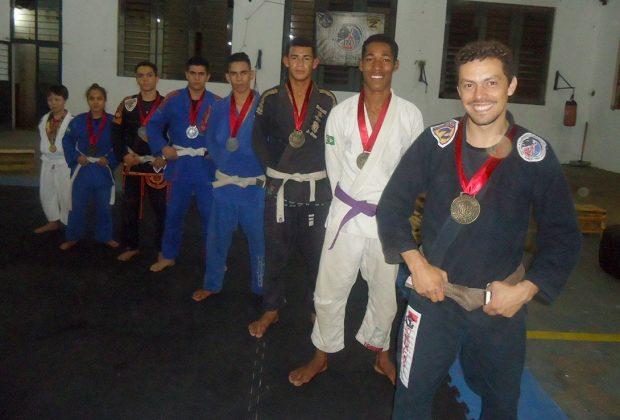 Atletas do Projeto Jiu- Jitsu JNV conquistam medalhas em Paulínia