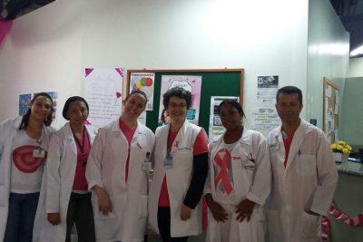Alunos de Enfermagem da FAJ promovem aconselhamento sobre câncer de Mama