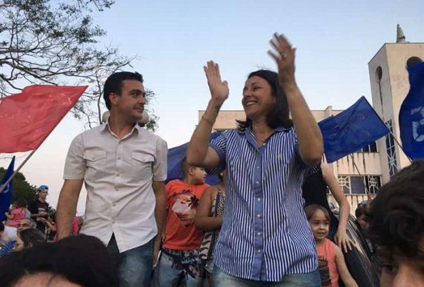 Cláudia Botelho, única mulher eleita prefeita da região, busca verbas junto ao governador