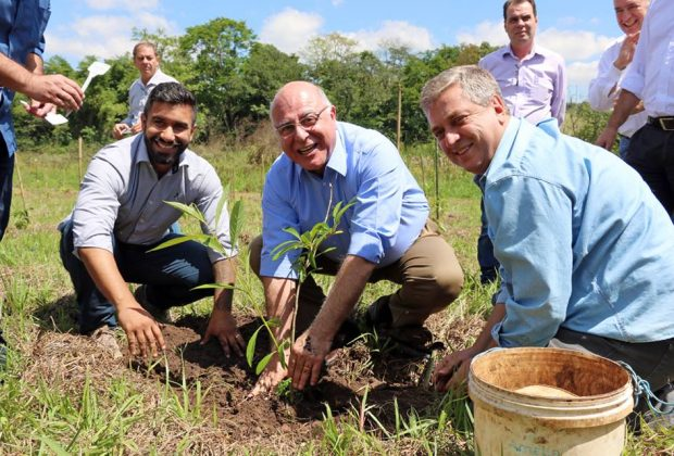 Secretário de Agricultura e presidente da ANA visitam Holambra