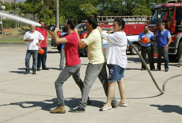 Funcionários da prefeitura de Jaguariúna participam de curso de Brigadista de Incêndio