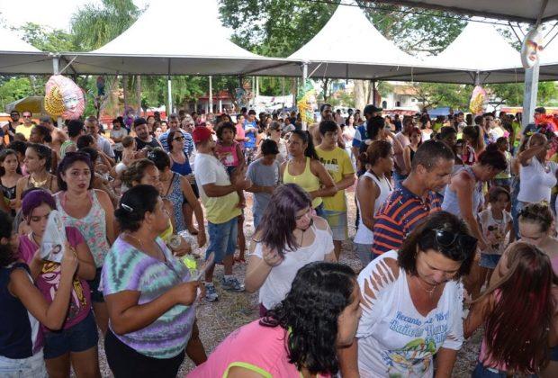 Trinta mil pessoas prestigiam o Carnaval itapirense