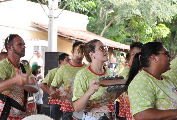 Raízes do Samba e bateria da Império agitam pré-Carnaval